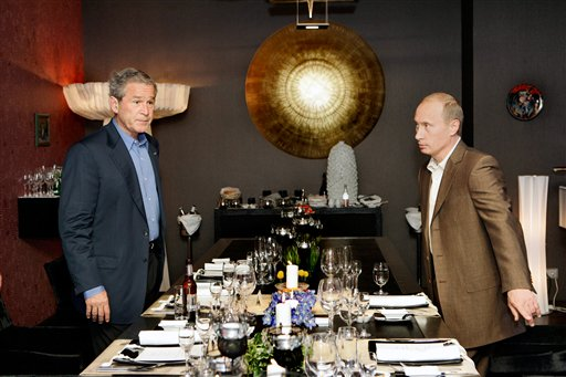 Bush having a beer with Vladimir Putin