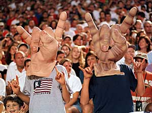 Longhorns hand sign